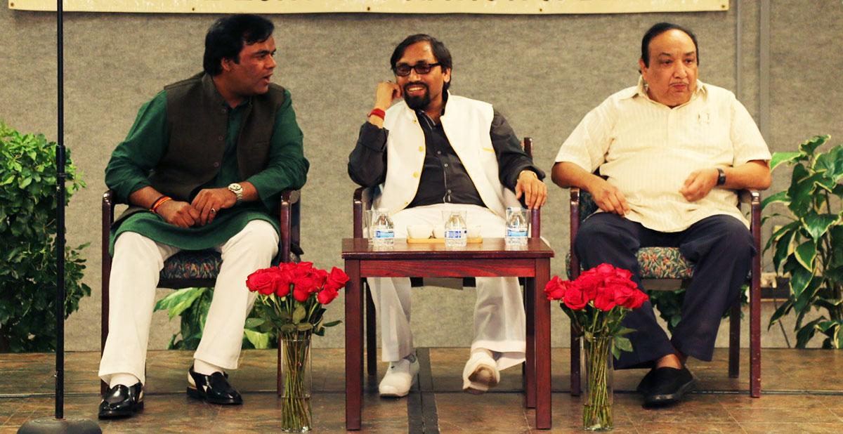 काव्य श्रंखला २०१४ के कवि श्री आलोक श्रीवास्तव, श्री सर्वेश अस्थाना, और श्री प्रदीप चौबे
