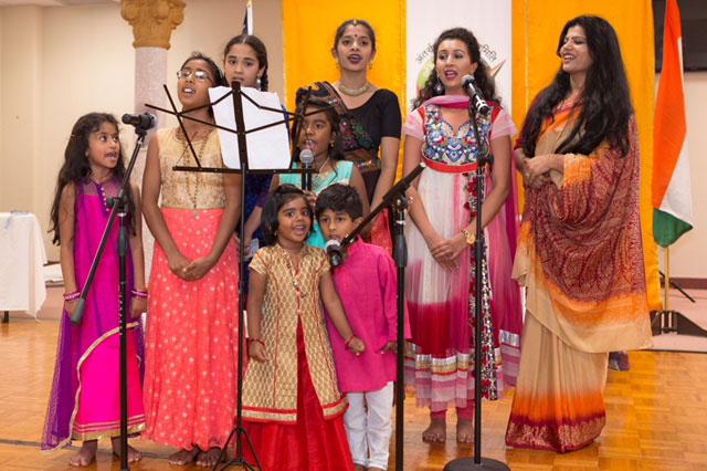 Hindi Song - हिन्दी हमको प्यारी है !!