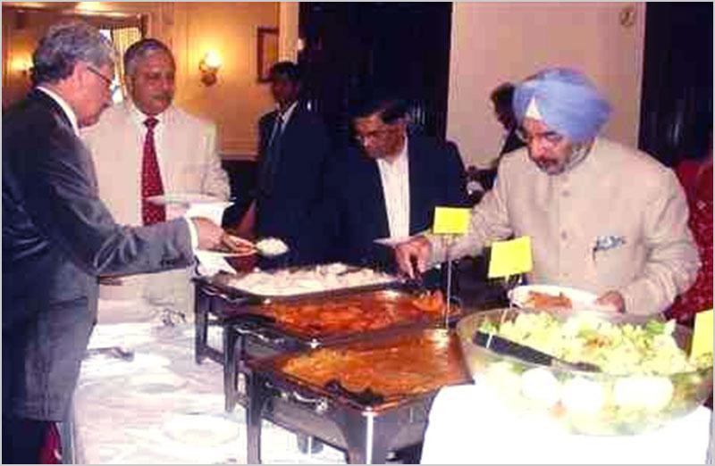 अन्तर्राष्ट्रीय हिन्दी समिति के आतिथ्य में १३ अप्रैल २००८ को उप प्रधान राजदूत रामिन्दर सिंह जस्सल एवं डा० स्मिता तिवारी जस्सल द्वारा भारतीय दूतावास, वॉशिंगटन डी.सी. में आयोजित प्रीतिभोज