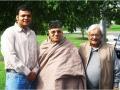 सितम्बर २००५ में आयोजित कवि सम्मेलन के प्रमुख कवि श्री सोम ठाकुर, सांसद श्री उदय प्रताप सिंह, एवं श्री अभिनव शुक्ल