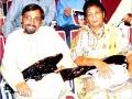सितम्बर २००४ में आयोजित कवि सम्मेलन में कवि श्री सर्वेश अस्थाना डा० मनोरमा शर्मा के साथ